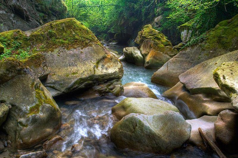 ущелье, горная река, горный пейзаж Ущельеphoto preview