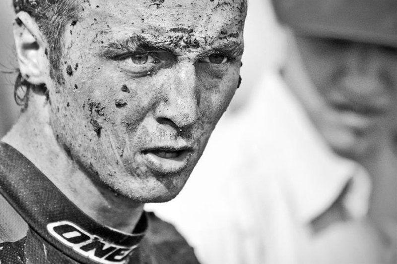 мотогонки, кросс, гонщик, грязь только что с трассыphoto preview