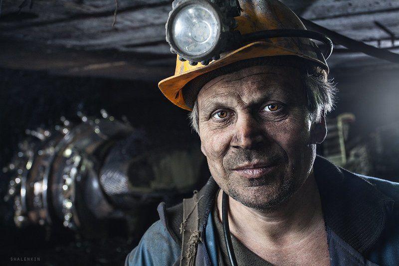 шахтер, портрет, жанр, шахта, добыча угля, coal, mining, coal mining, portrait, russia, kuzbass портрет шахтера в очистном забоеphoto preview