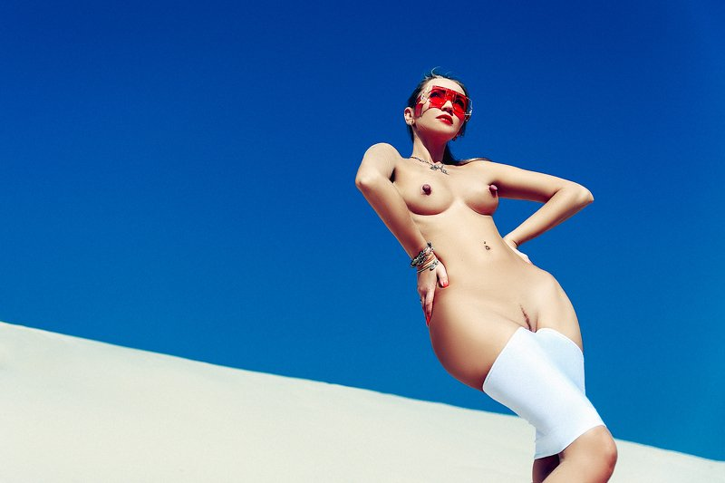 woman, portrait, nude, outdoors, dune Summer Nudephoto preview