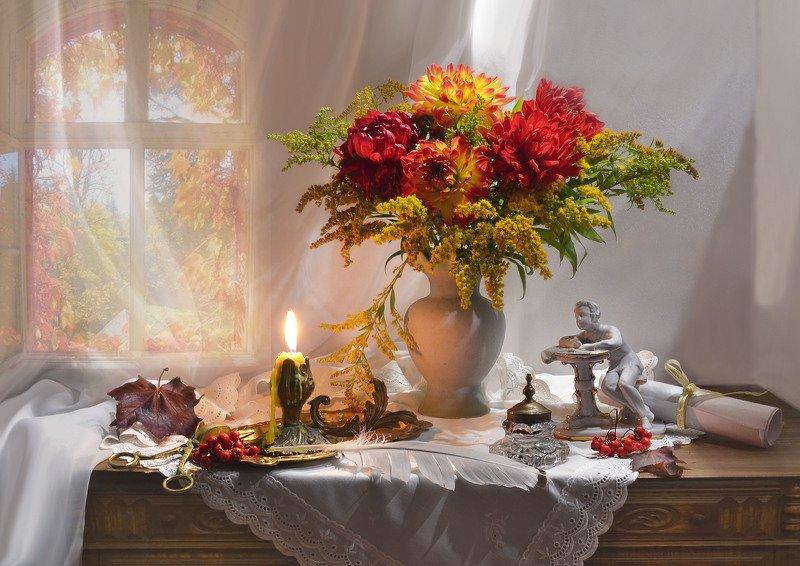 still life, натюрморт, цветы, фото натюрморт, сентябрь,последний день сентября, осень,рябина, свеча, подсвечник, статуэтка , кленовые листья,чернильница, перо, пушкин, георгины, Мой день, ненастьями забытый...photo preview
