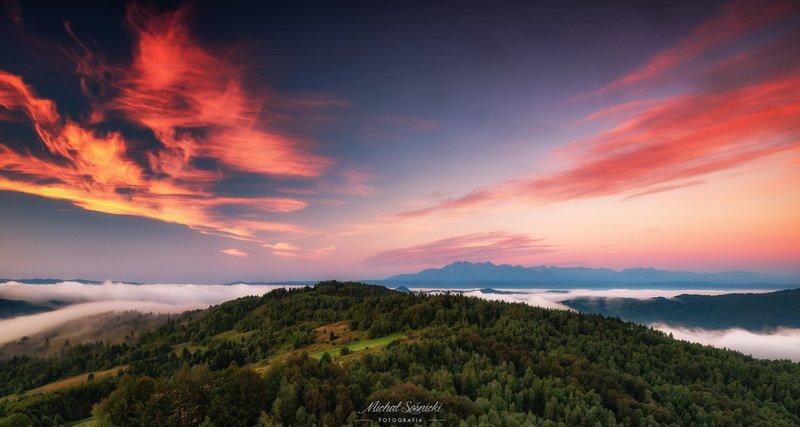 #poland #morning #sunrise #fog #landscape #pentax #benro #benq Panorama...photo preview