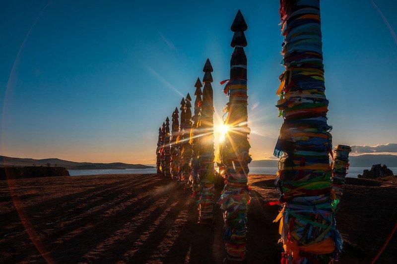 Столбы Сэргэ на острове Ольхонphoto preview