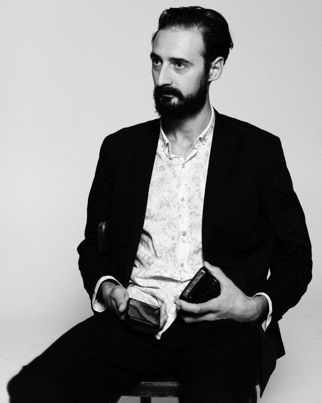 портрет, мужской портрет, портретная фотография, спб, чб, черно-белое Раминphoto preview