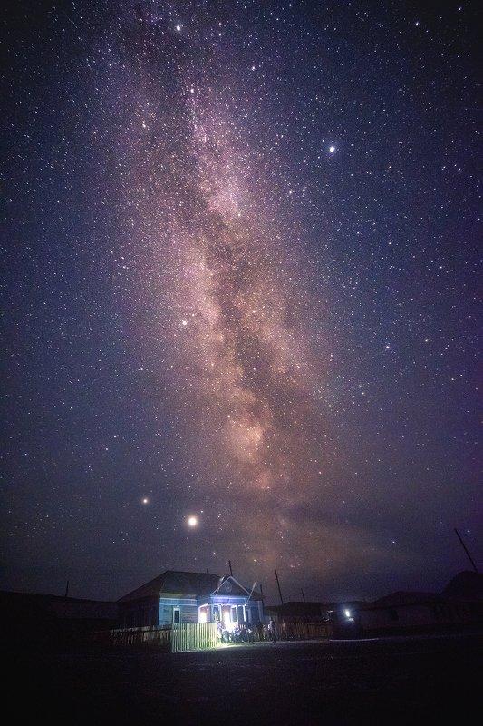 млечный путь, ночная фотография, алтай, бельтир, россия, астрофото, звезды, ночь, пейзаж, поселок, село Ночь в поселке Бельтирphoto preview