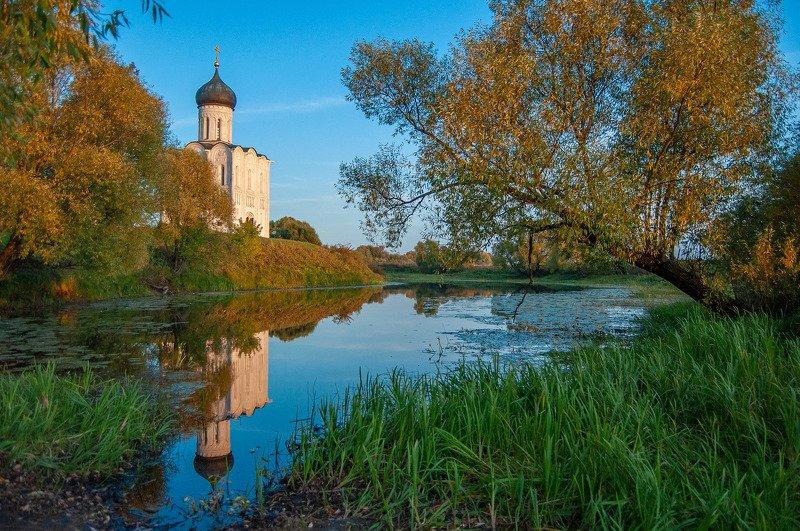 покрова на нерли, утро, рассвет, осень, закат, вечер, река, храм, церковь Покрова на Нерли_3photo preview