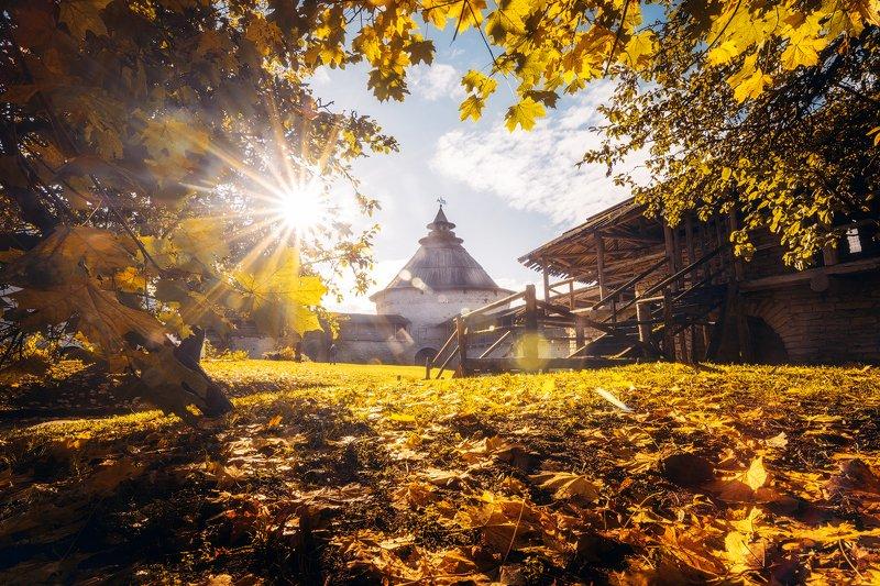 псков, осень, октябрь Солнечный денекphoto preview