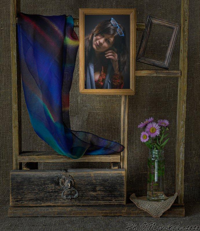 полка,рамки,цветы,платок,портрет ***photo preview