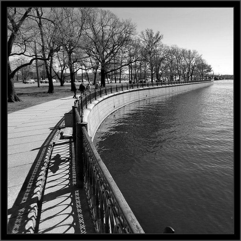 петербург, центр, нева, троицкий мост, чб, квадрат Простой геометрический черно-белый питерский квадратный этюдphoto preview