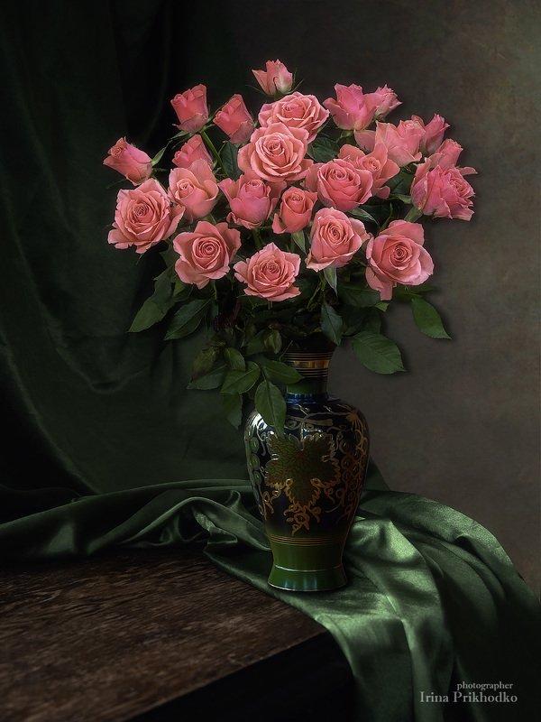 натюрморт, цветы, букеты, розы, винтажный С букетом розphoto preview