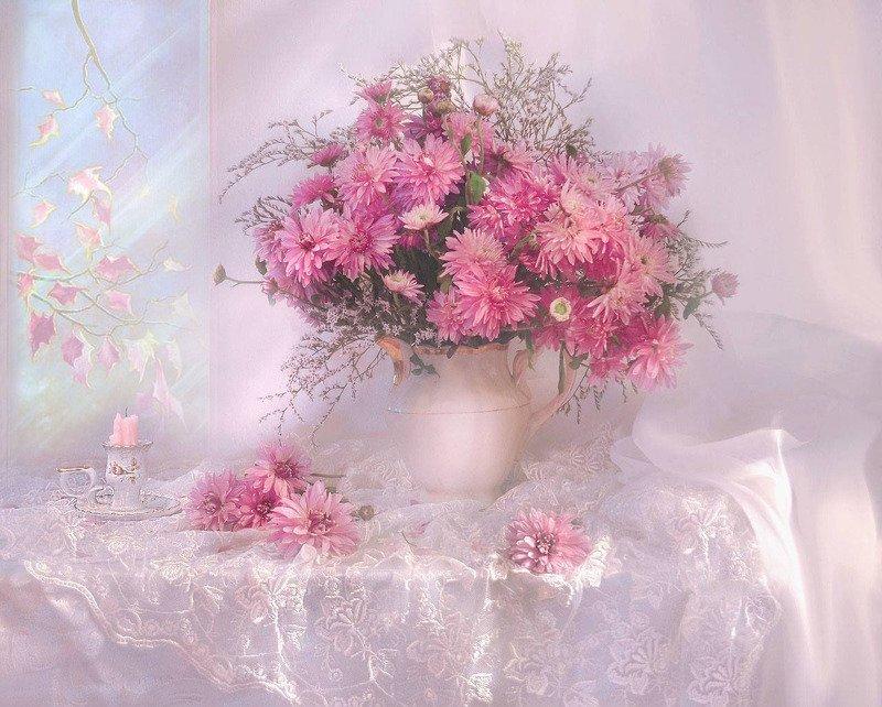 still life, натюрморт, фото натюрморт, осень, октябрь, цветы, хризантемы, свеча, подсвечник, ...осенний свет летел и таял...photo preview