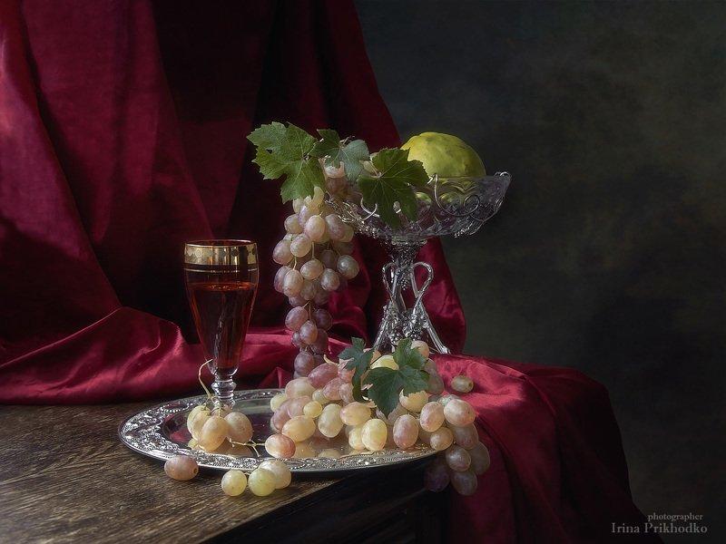 натюрморт, винтажный, виноград, вино, интерьер, художественной фото Натюрморт с бокалом вина и виноградомphoto preview