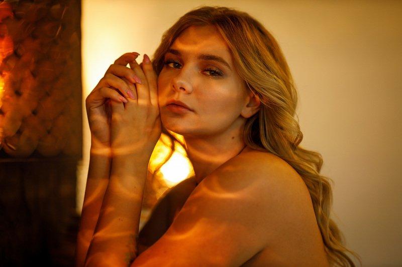 девушка взгляд портрет студия Nataliephoto preview