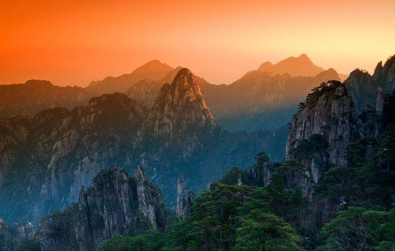 желтые, горы, хуаншань ХУАНШАНЬ - от рассвета до закатаphoto preview
