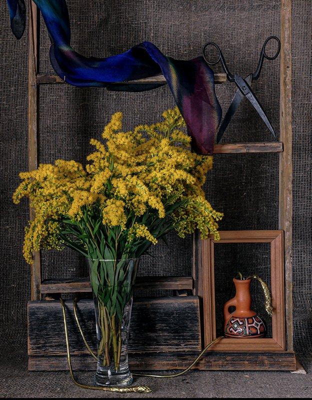 полка,бокал,цветы,ножницы,платок,шнур ***photo preview