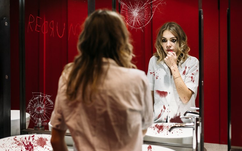 girl,beauty,creepy,halloween,horror,red,mirror,bathroom Paint me redphoto preview