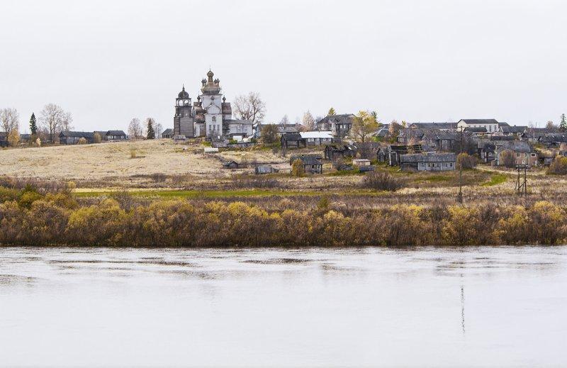 Деревня Турчасово у реки Онега.photo preview