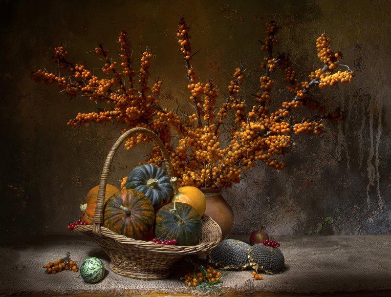 натюрморт, тыква, облепиха Рыжая осень... фото превью