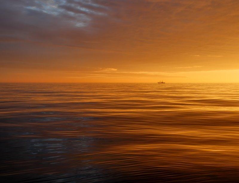 вечер, волны, закат, осень, тихий океан на краю светаphoto preview
