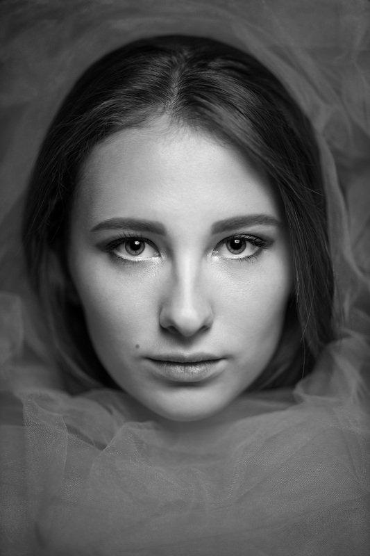 девушка взгляд портрет студия Vasiaphoto preview