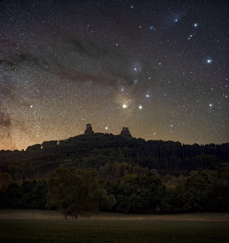 milkyway, bohemian paradise, czechia, night photo, nightscape, galaxy,stars, trosky, castle Galaxy over the castle..photo preview