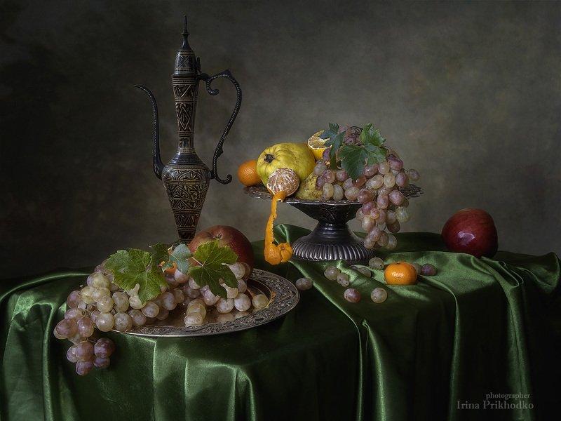 натюрморт, винтажный, фрукты, восточный кувшин Натюрморт с восточным кувшином и фруктамиphoto preview