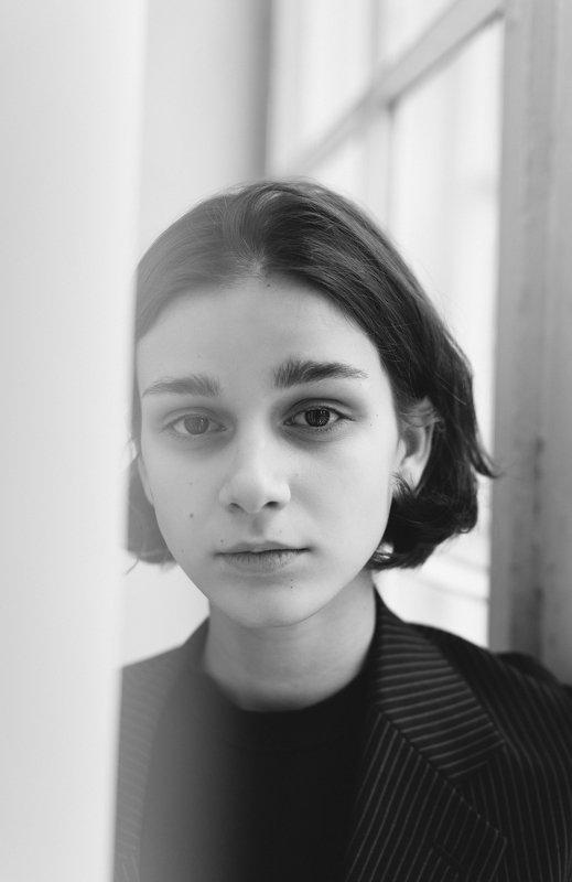 портрет, портретная фотография, женский портрет, естественный свет, студия, фотосессия, модельные тесты, черно-белое, черно-белая фотография Стефаphoto preview
