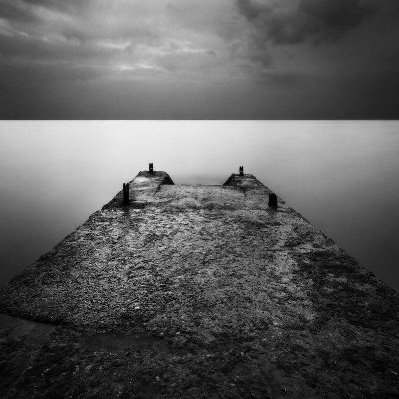 Адлер, Минимализм, Море, Ч/б Про волнорезы Адлераphoto preview