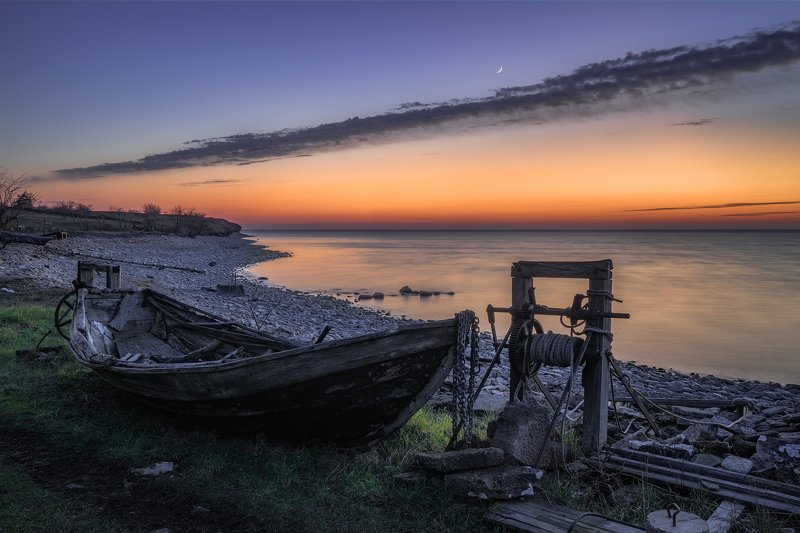 Afterglow, aftersunset, balticsea, Bay, Beach, bluehour, bluehour boatvinch, boat, chains, fishingboat, fishingcamp, flow, Grass, Grönvik, Gulf, Island, kalmarscounty, loch, lough, Moon, newmoon, old, rockycoast, Sea, Shore, shoreline, stonebeach, Sweden, Out of Servicephoto preview