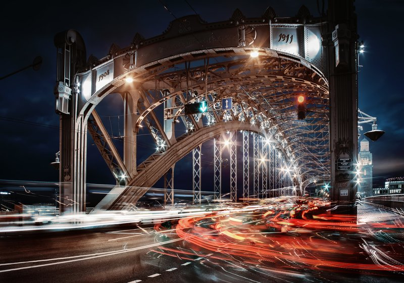 город,река,мост,вечер,закат,движение,фонари,свет Вечернее движение.photo preview