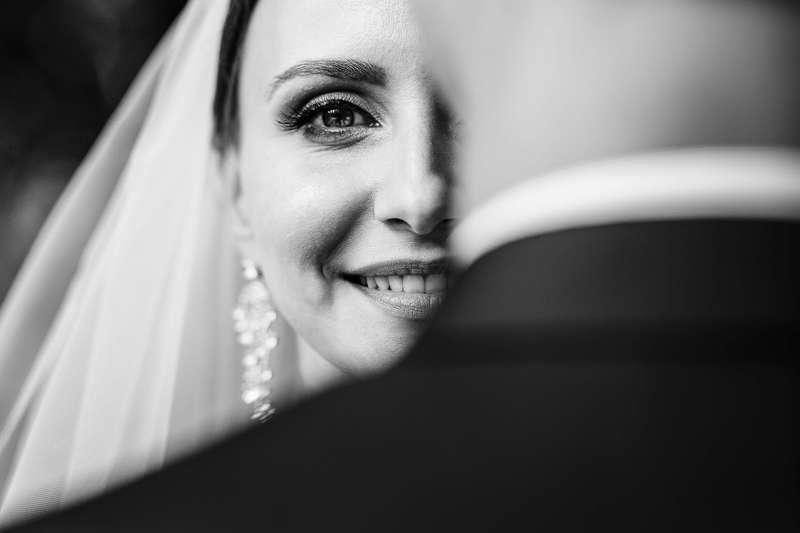 портрет, портрет невесты, крупный план, улыбка, глаза Портрет невестыphoto preview