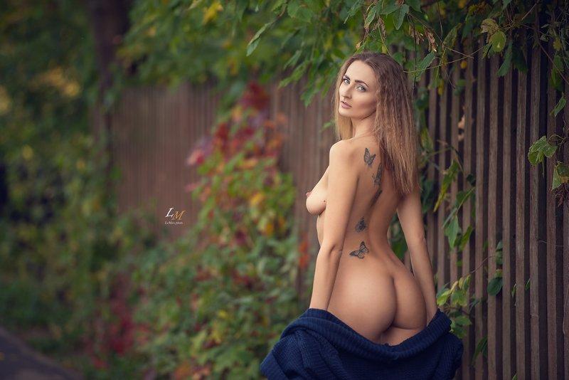ню, осень, парк, девушка, природа, москва, фотограф, ню фотограф, ню фотосессия Аннаphoto preview