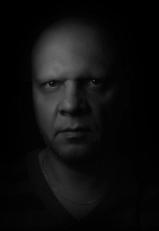 мужчина, портрет, черно-белое Автопортретphoto preview