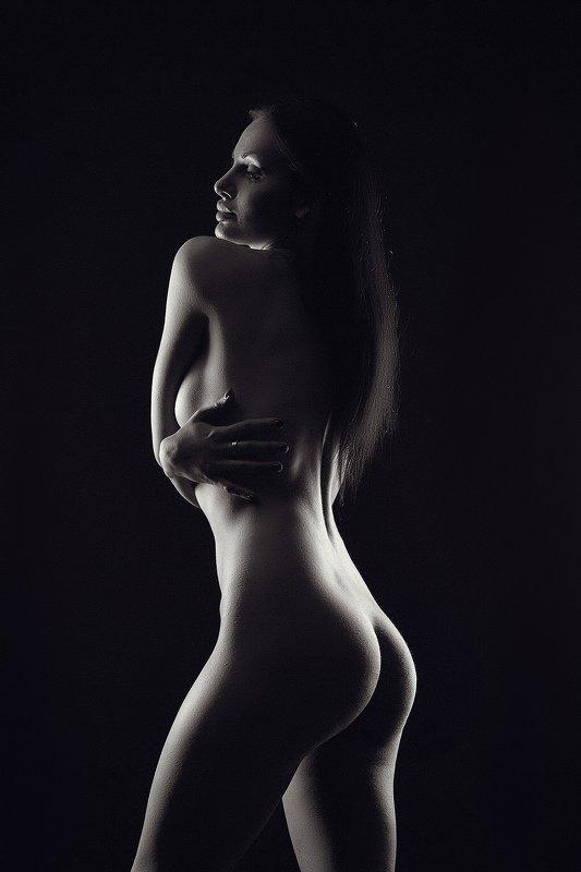 nude, portrait, model, sexy, girl, girls, studio, dark,  photo preview