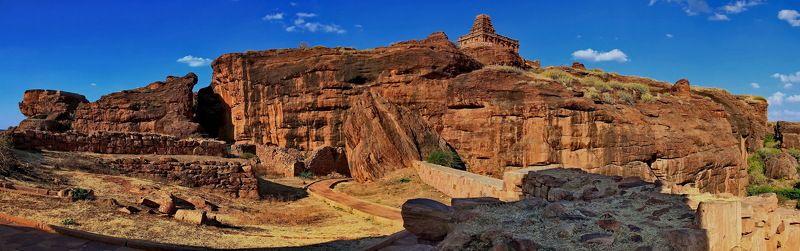 бадами, скалы, индия Древний город Бадами (Южная Индия)photo preview