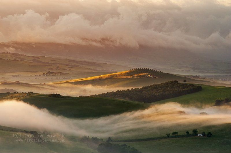 Val d\'Orcia in the fogphoto preview