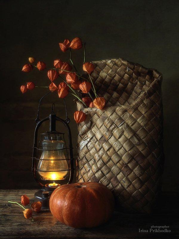 натюрморт, деревенский, винтажный, берестяной короб, физалис, старый фонарь, осень Яркие осенние фонарикиphoto preview