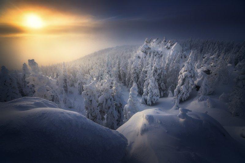 таганай, урал, горы, зима Озаренная светомphoto preview