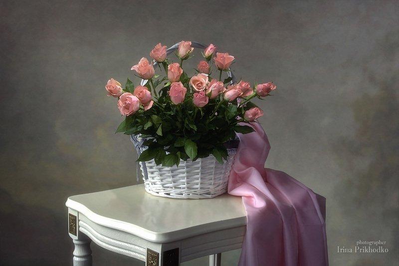натюрморт, розы, цветы, букеты, корзина, композиция, романтика, нежность, винтажный Романтический натюрморт с корзиной розphoto preview