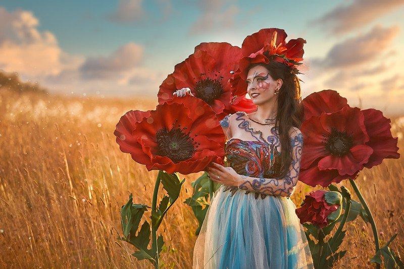 маки, женский портрет, постановочная фотография, лето Улыбнисьphoto preview