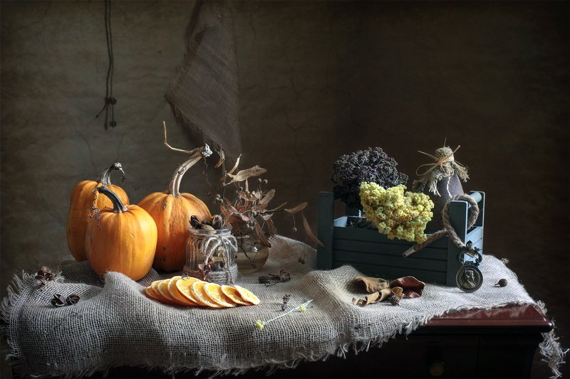 фотонатюрморт, миламиронова, осень, настроение, тыква, апельсины, душица, трава, запас Про запас...photo preview