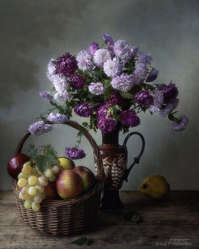 натюрморт, винтажный, цветы, букеты, хризантемы, осень, фрукты, корзина Натюрморт с букетом хризантем и фруктамиphoto preview