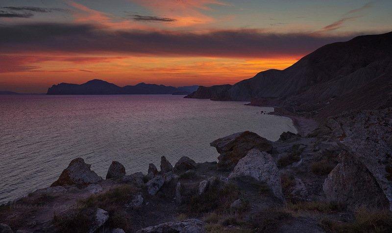 море, горы, закат Пламя догорающего дняphoto preview