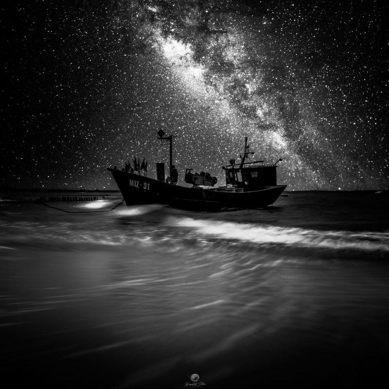 Kuter, noc, gwiazdy, lato, krajobraz, natura, woda, światło, nikon, uśpiony, kuter rybacki Спящая рыбацкая лодка photo preview