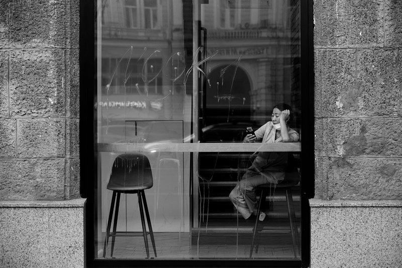 people, person, photography, photo, moments, mood, monochrome, moscow, bw, blackwhite, blackandwhite, bnw, blackandwhitephoto, women, window, woman, walls, StreetPhotography, streetphoto, streetlife, streetmoscow, street, documentary, russia, reportage, r photo preview