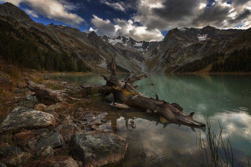 алтай, озеро, горы, лес, природа, закат, рассвет, красота, приключения, путешествие Непогода надвигаетсяphoto preview