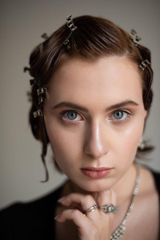 портрет, портретная фотография, женский портрет, естественный свет, студия, фотосессия, стиль Катяphoto preview