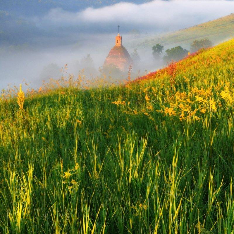 #трава, #солнце, #храм, #свет, #лето, #туман Заливаясь солнцемphoto preview