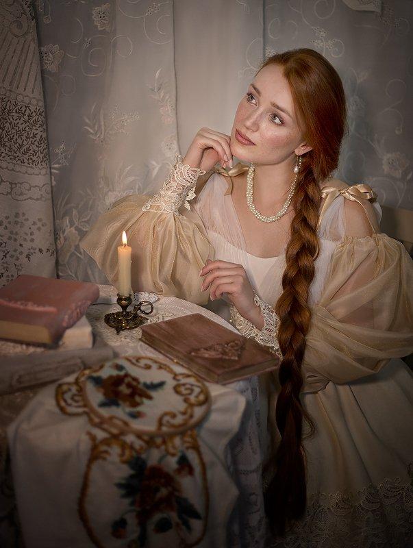 #вечер #девушка #барышня #свеча #книги #уют #задумчивость #сказка Барышняphoto preview