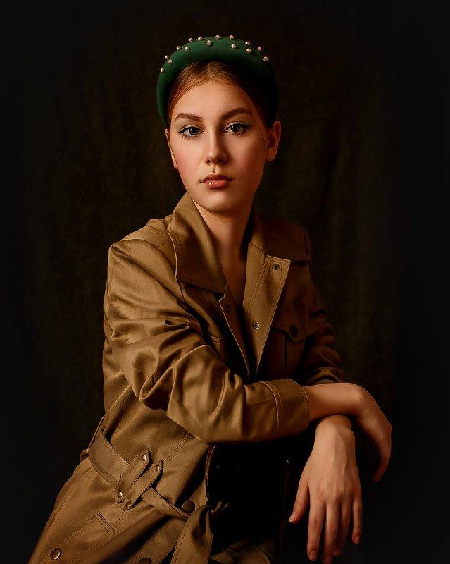 портрет, естественный свет, блондинка, девушка Девушка с ободкомphoto preview